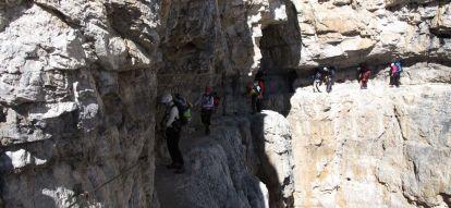 Wspinaczka górska. Wyprawy górskie i trekkingowe - Exploruj