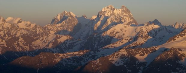 Trekking Elbrus. Wyjazdy trekkingowe z Exploruj
