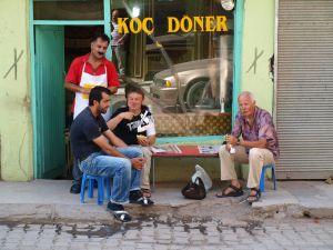 Kebab po trekkingu na Ararat. Exploruj.pl - wyprawy w góry