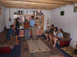Wizyta u Kurdów. Exploruj.pl - trekking dla początkujących