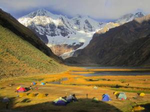Jezioro Jahuacocha w Peru. Trekking z Exploruj.pl
