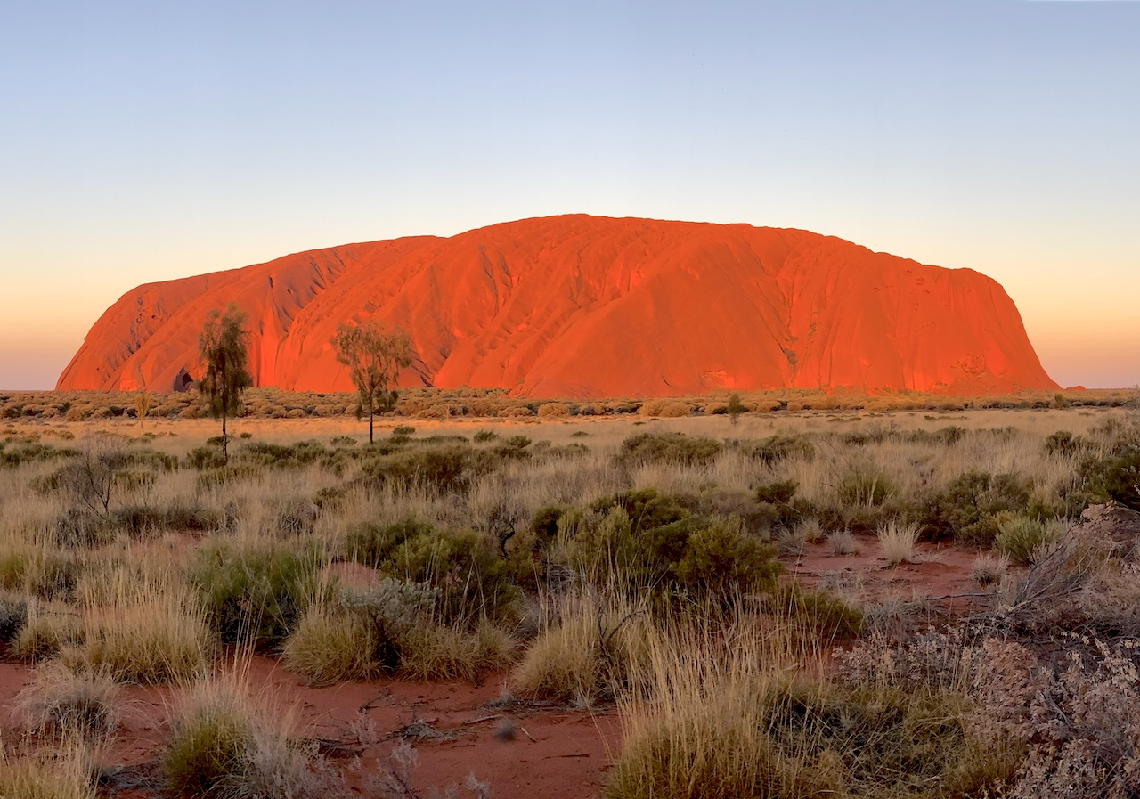 Widok na skałę Uluru